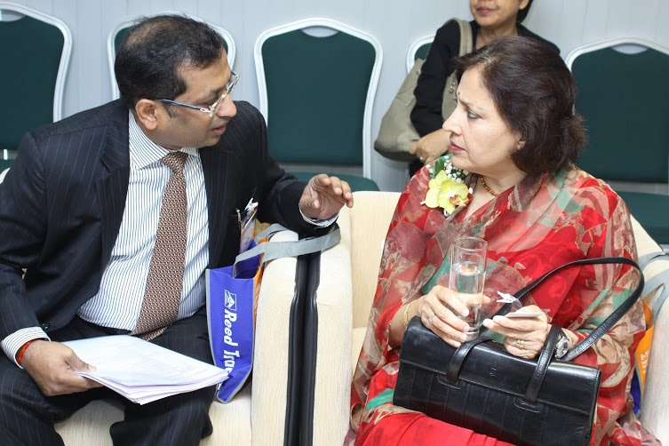 Chairman, EEPC India discussing a point with HE Ambassador