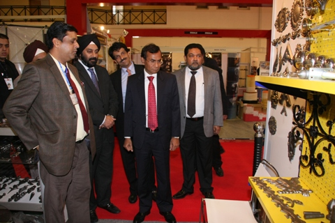 HE Mr Krishan Kumar visits the exhibition...
