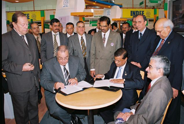 2-EEPC signs MOU with Chamber of Engineering Industry, Egypt on 23rd November 2006 by their respective Chairmen.JPG