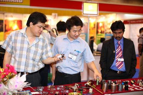 Thai business visitors in a stall in India Pavilion