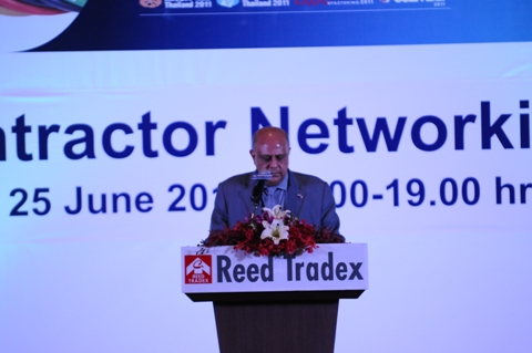 Mr R Maitra, Executive Director, EEPC INDIA addressing the Subcontractor Networking Party, organised by Reed Tradex for closer interaction