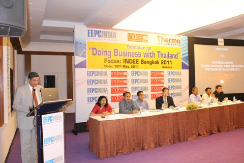 Mr. B N Agarwal, Regional Chairman, EEPC India delivering the welcome address`
