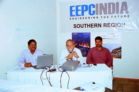 Shri. Mahesh Desai, Vice Chairman, EEPC INDIA addressing the gathering during INDEE Bangkok