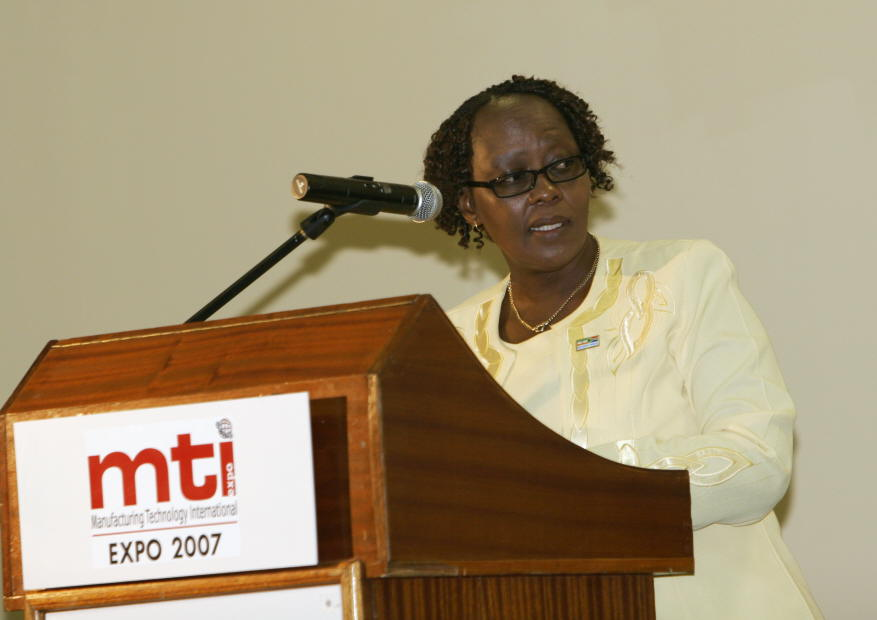 Ms. ElizabethThabethe, Dy. Minister of Trade & Industry, South Africa addressing at the inauguration of INDEE 2007