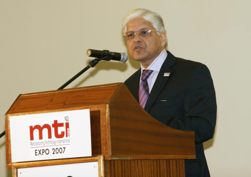 Dr. Ashwani Kumar, Minister of State for Industry, Govt. of India addressing at the inauguration of INDEE 2007