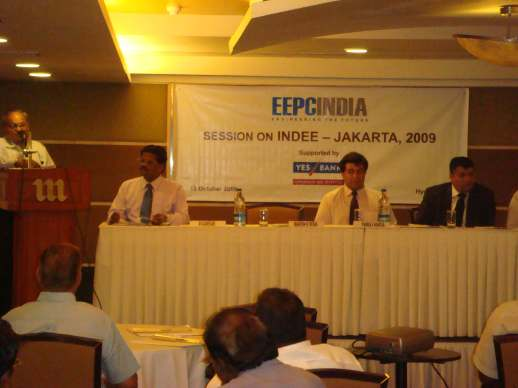 (l - R) Shri. Mahesh K Desai, National Vice Chairman, EEPC INDIA...