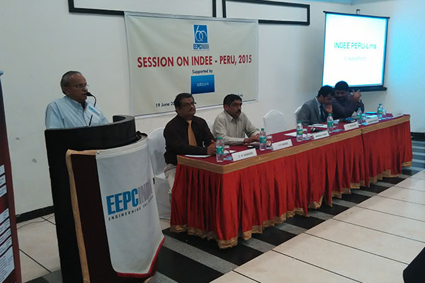 Mr. Mahesh K Desai, Regional Chairman, EEPC INDIA addressing the gathering