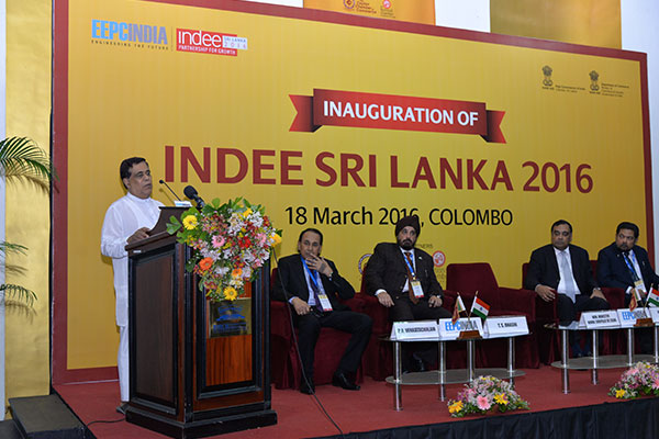 MR. NIMAL SIRIPALA DE SILVA, MINISTER OF TRANSPORT & CIVIL AVIATION, SRI LANKA ADDRESSING THE GATHERING