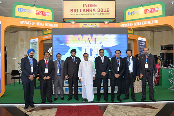 TEAM EEPC INDIA`S GROUP PHOTO WITH CHIEF GUEST & GUEST OF HONOUR AT THE THEME PAVILION