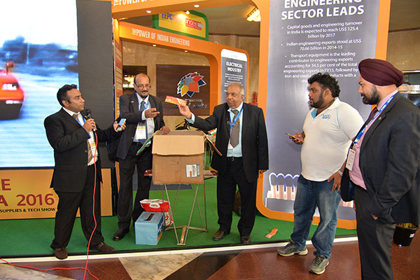Raffle Lucky Draw for Visitors being drawn by Mr. R. Seshagiri, Dy. Regional Chairman, EEPC INDIA (SR)
