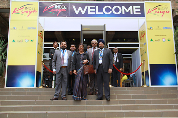 Team EEPC India with Chief Guest  at the entrance to INDEE