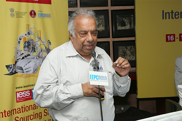 Shri R. Seshagiri, Dy. Regional Chairman (SR), EEPC India summing up the deliberations in Tamil