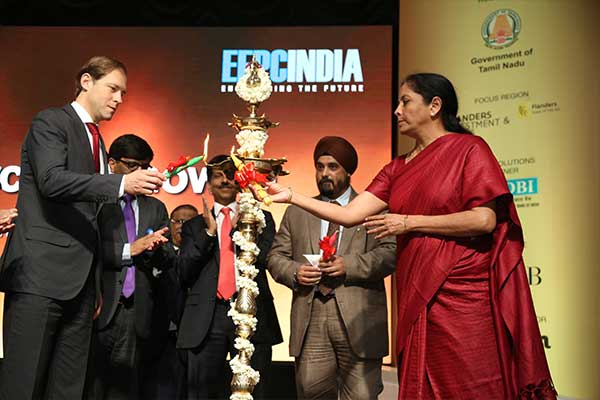 Lighting the lamp jointly by Ms. Nirmala Sitharaman, Minister of State (Independent Charge) for Commerce & Industry, Govt. of India and Mr. Denis Manturov, Minister of Industry and Trade of the Russian Federation