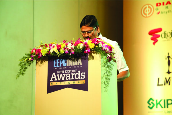 Mr. M. C. Sampath, Minister for Industries, Steel Control, Mines and Minerals and Special Initiatives, Govt. of Tamil Nadu addressing the audience at 48th National Export Awards
