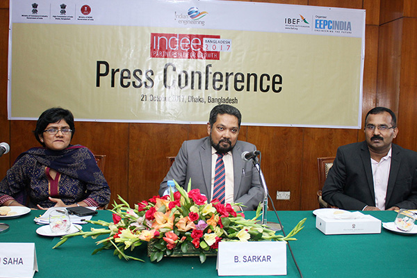 Mr Bhaskar Sarkar, Executive Director & Secretary, EEPC India meeting the press to promote INDEE BANGLADESH 2017 on October 21, 2017. Mr.  G.  Sudhakaran,  Attache (Commercial), Indian High Commission in Dhaka is seen far right along with Ms Pallavi Saha, Sr Deputy Director, EEPC India (far left)