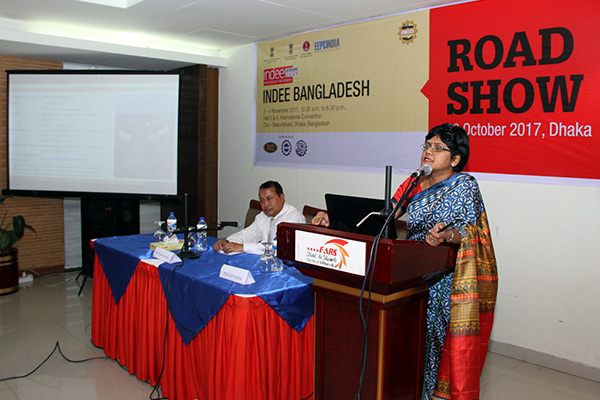 Ms Pallavi Saha, Sr Deputy Director, EEPC India promoting INDEE Bangladesh at the Road Show on October 22, 2017. Mr Mazibur Rahman, Joint Secretary, FBCCI (The Federation of Bangladesh Chambers of Commerce and Industry) seated on the dais