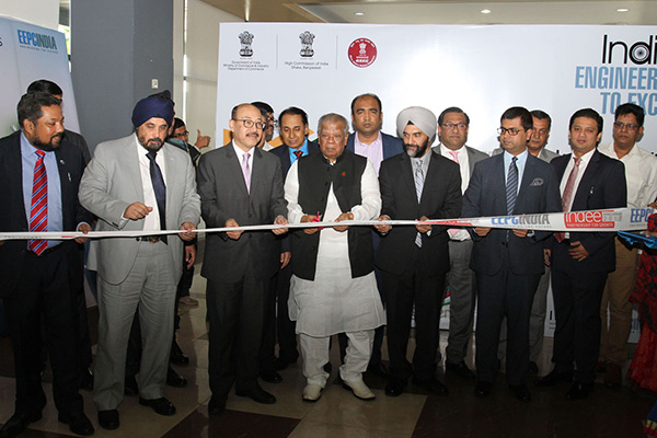 Inauguration of INDEE Bangladesh 2017 through Ribbon Cutting – ( L TO R) : Mr Bhaskar Sarkar, Executive Director & Secretary, EEPC India; Mr T S Bhasin, Chairman, EEPC India; Mr Harsh Vardhan Shringla, Indian High Commissioner to Bangladesh ; Mr Alhaz Amir Hossain Amu, Hon'ble Minister of Industries, Government of Bangladesh; Mr B S Bhalla, Joint Secretary, Department of Commerce , Ministry  of Commerce & Industry, Government of India; Sheikh Fazle Fahim, First Vice President, FBCCI ( The Federation of Bangladesh Chambers of Commerce and Industry) ; Mr Taskeen Ahmed, President, IBCCI ( India Bangladesh Chamber of Commerce and Industry) .  Mr P R Venkatachalam, Chairman of the Committee on Trade with SAARC, EEPC India ( behind Mr Shringla)