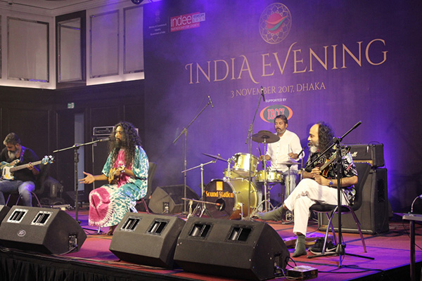 Fiddler's Green performing live at India Evening of INDEE BANGLADESH 2017 - Mr Arko Mukherjee seen as the lead singer. Mr Shamik Chatterjee is on his right   and Mr Diptangshu Roy is on his left  . Mr Ritoban Ludo Das behind