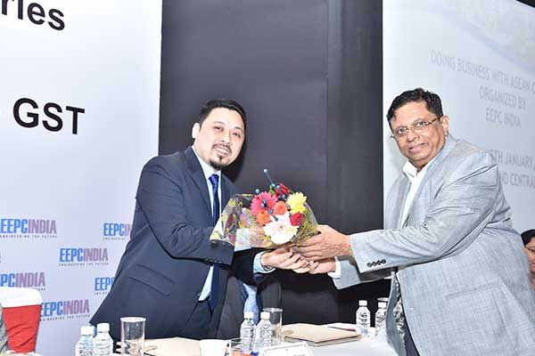Mr. C.D. Shah, Working Committee Member, EEPC India presenting a bouquet to Mr. Yadi Suriahadi, Consul (Economics), Consulate General of the Republic of Indonesia, Mumbai