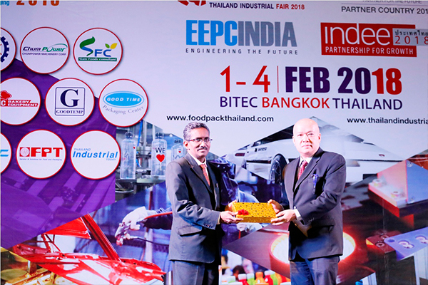 Mr. DamriNamphaya, Managing Director of T.B.P. Publication Co., Ltd (organizer of TIF) presenting a memento to Mr Abbagani Ramu, Deputy Chief of Mission, Embassy of India,  Bangkok &  Deputy PR to UNESCAP