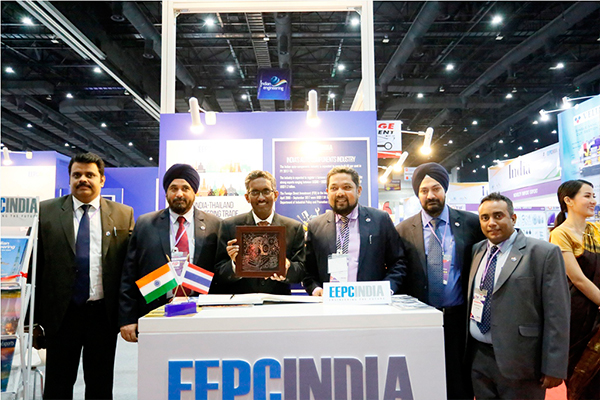 Mr Abbagani Ramu, Deputy Chief of Mission, Embassy of India, Bangkok &  Deputy PR to UNESCAP presented a Bidriware memento by EEPC India. Joining him from left we see- Mr Rajat Srivastava, Regional Director, (WR), EEPC India; Mr T S Bhasin, Immediate Past Chairman, EEPC India;  Mr Bhaskar Sarkar, Executive Director & Secretary, EEPC India; Mr Gurvinder Singh, Sr Joint Director, EEPC India and Mr Mukesh Samtani, Assistant Director, EEPC India