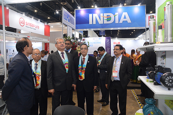 After the Inauguration, Mr Jaideep Mazumdar, Ambassador of India to Philippines taking a tour of the INDEE and interacted with the participants