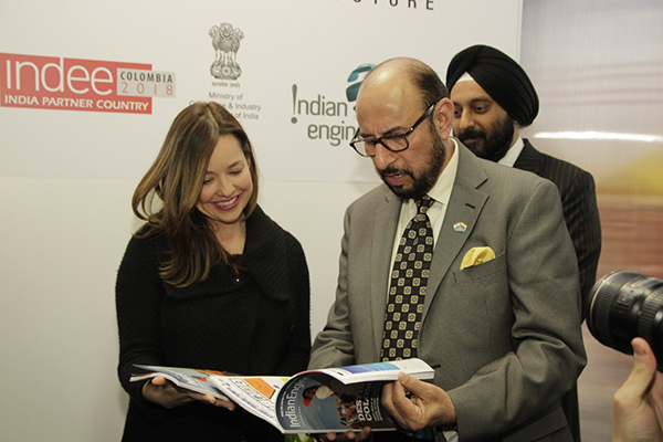 Vice Minister of Colombia and Mr Ravi Sehgal, Chairman, EEPC India discussing ie2