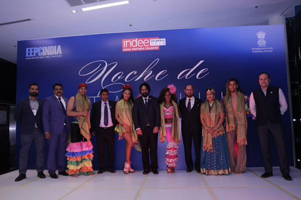 All the performers along with EEPC India team among others