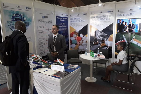 Mr Mayank Krishna interacting with visitors inside EEPC India booth at the event