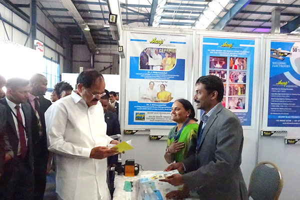 Hon`ble Vice President of India, Mr. Muppavarapu Venkaiah Naidu visiting the stalls in India Pavilion