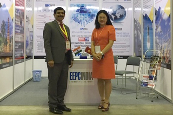 Mr Nishikant Jumde, Sr Joint Director, EEPC India, New Delhi with Ms Do Thi Minh Tram, Deputy Director General, Ministry of Industry and Trade,  Ho Chi Minh City, Vietnam