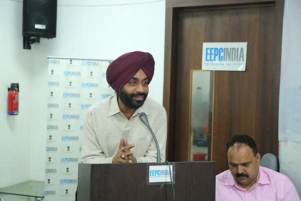 Mr Opinder Singh, Dy Director, EEPC India, Sub Regional Office, Jalandhar addressing the program. Mr Ravinder Birdi, Chairman, SC Entrepreneurs, Punjab Cell seen in the picture.