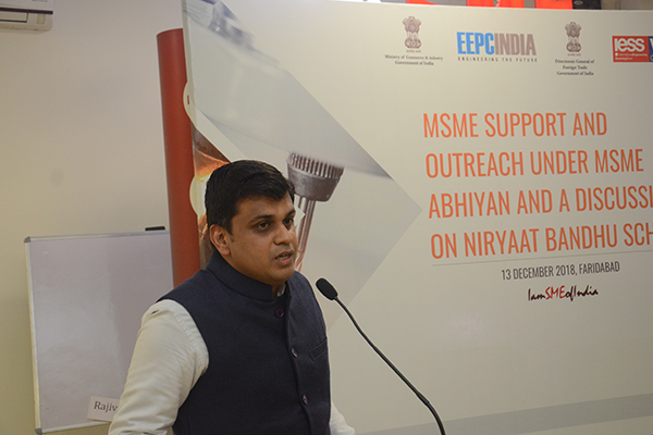 Mr. Amit Sharma, Deputy DGFT is addressing at the Seminar on MSME Support and outreach under MSME Abhiyan and a discussion on Niryaat Bandhu Scheme