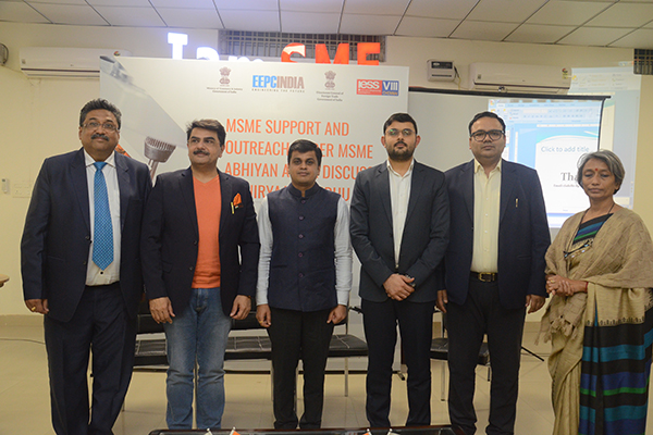 During a photosession EEPC India officials present along with the Dignitaries (L-R) Mr. G. P. Malhotra, Assistant Director, EEPC India, Regional Office, New Delhi; Mr. Rajiv Chawla, Chairman, IAMSME; Mr. Amit Sharma, Deputy DGFT; Mr. Aman S. Lohan, Asst. DGFT; Mr. Rakesh Suraj, Regional Director, EEPC India, Regional Office, New Delhi; and Ms. Anjali Upadhyay, Committee Member of IAMSME.