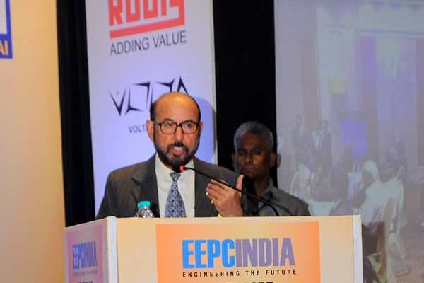 Mr Ravi Sehgal, Chairman, EEPC India welcoming all
