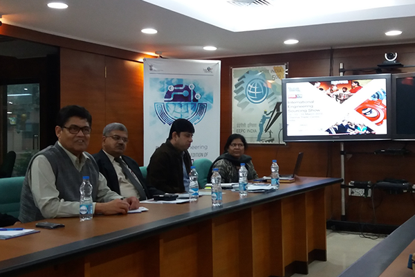 Mr. S. M. Saha, Chairman - Functional Committee on Exports to SAARC Countries (ER), EEPC India addressing the members.