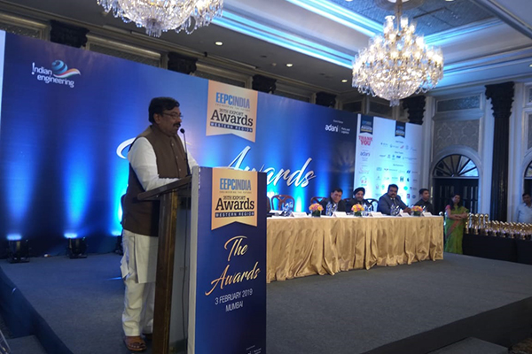 Chief Guest, Mr Sudhir  Mungatiwar, Hon`ble Minister of Finance & Planning and Forests, Govt of  Maharashtra addressing the audience.