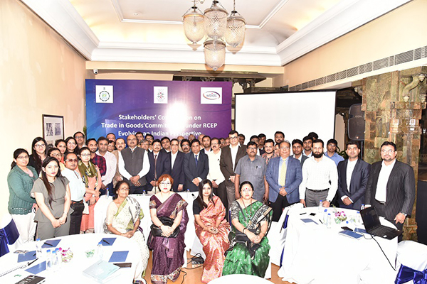 Mr. Arun Kumar Garodia, Vice Chairman, EEPC India is present with the WBIDC Team in the Stakeholders Consultation Meet jointly organized by Centre for Regional Trade, New Delhi and WBIDC, Government of West Bengal, held over 25th Feruary, 2019 in Kolkata.