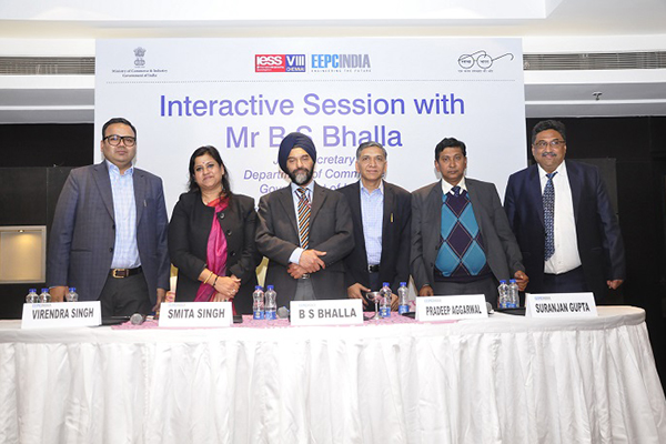 The dignitaries present during photo session (L - R) : Mr. Rakesh Suraj, Northern Regional Director, EEPC India; Ms. Smita Singh, Regional Manager,UP SIDC; Mr. B. S. Bhalla, Joint Secretary, Department of Commerce, Govt of India; Mr. Pradeep Kumar Aggarwal, Dy. Regional Chairman (NR), EEPC India; Mr. Suranjan Gupta, Executive Director, EEPC India and Mr. G. P. Malhotra, Sr. Assistant Director, EEPC India