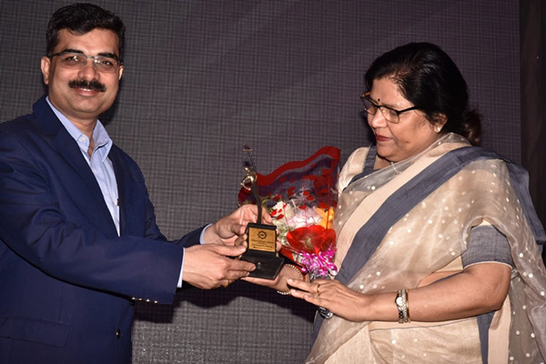 Ms. Anima Pandey, Regional Director (ER) & Director (Membership), EEPC India won the Women Achievers Award organised by Association of Shipping Interests in Calcutta for her contribution to EXIM trade /Shipping in Kolkata.