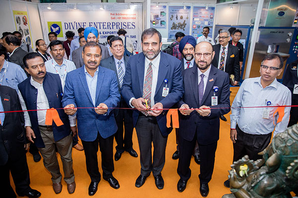 Dr  Anup Wadhawan, Commerce Secretary, Dept of Commerce, Ministry of Commerce and Industry, Govt of India (at the centre); (on his right)  Mr Dharmendra Pratap Yadav, Secretary, MSME, Govt of Tamil Nadu; Dr Rakesh Verma, Spl Secretary Industries, Govt of UP and (on his left) Mr. Ravi Sehgal, Chairman, EEPC India  inaugurating the Tamil Nadu Pavilion