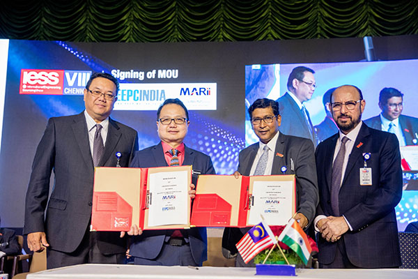 Signing MoU between EEPC  India and MARii (Malaysia Automotive Robotics & IoT Institute), Malaysia. Mr. Suranjan Gupta, Executive Director, EEPC India (front row right)  and  Dato' Madani Sahari, CEO, Malaysia Automotive Robotics & IoT Institute (MARii) (front row left) representing the respective organisations. Mr Ravi Sehgal, Chairman, EEPC India (second row right) and H.E. Dato Hidayat Abdul Hamid, High Commissioner of Malaysia ( second row left) are seen
