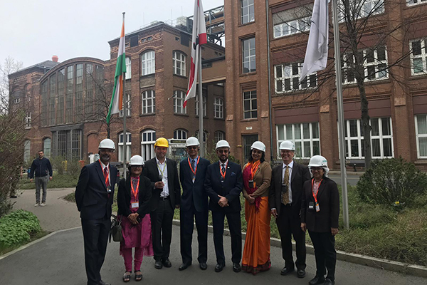 EEPC India Chairman, Mr Ravi Sehgal along with Dr A. R. Sihag, Secretary, DHI visits Siemens factory in Germany today. Ms Sukriti Likhi, JS, and DHI delegation and Ms Pallavi Saha, Sr Deputy Director, EEPC India are seen.