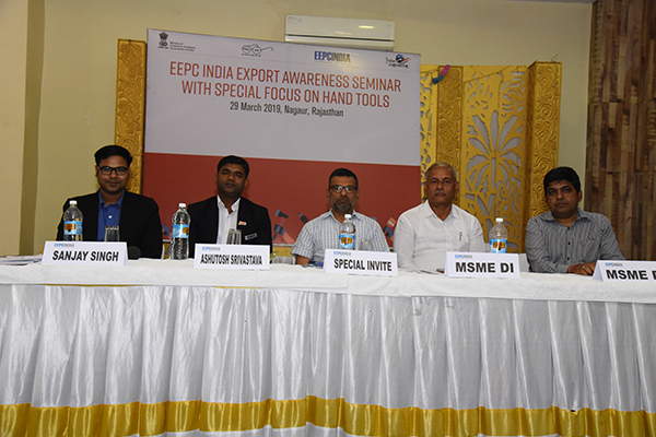 On the dais (left to right) - Mr. Sanjay Singh, Executive Officer, EEPC India, Regional Office, New Delhi; Mr. Ashutosh Srivastava, Sr. Executive Officer, EEPC India, Regional Office, New Delhi; Mr. M K. Saraswat, Director, MSME, Jaipur; Mr. A K Singh, Director, PPDC, MSME and Mr. Ajay Sharma, Assistant Director, MSME