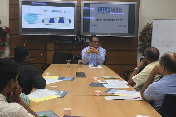 Mr. C. H. Nadiger, Regional Director (SR), EEPC India (at the head table), is making presentation on upcoming EEPC India Events.