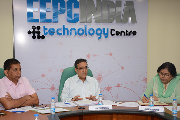 Mr Arun Kumar Garodia, Vice Chairman and Panel Convener, EEPC India (center on the head table) addressing the members of the Panel. To his left - Ms. Anima Pandey, Regional Director (ER) & Director (Membership), EEPC India and to his right - Mr. Ashish Shah, Senior member of the Panel.