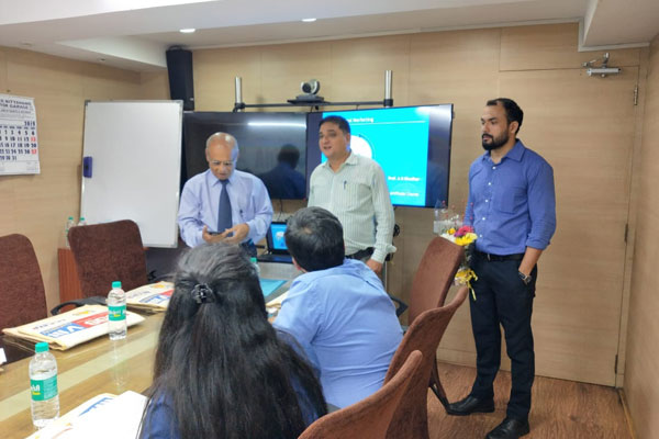 Mr. Pratap Singh Bharda, Executive Officer, EEPC India (standing at centre) welcoming the participants and introducing the faculty Prof. Arvind Khedkar (standing at left) the seminar.