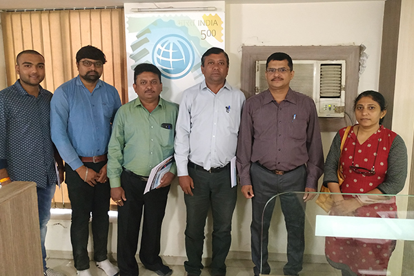 Mr Sudhakaran Nair, Deputy Director, EEPC India, SRO Ahmedabad (2nd from left) is along with the new members at the Meet.