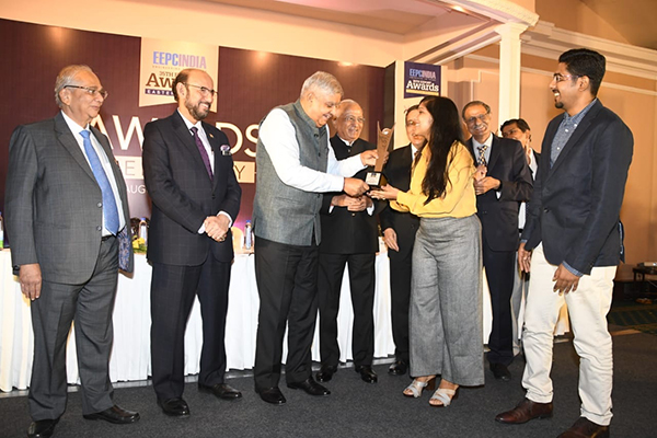 H. E. Mr Jagdeep Dhankhar,Hon`ble Governor of West Bengal presenting the awards. On the dais from left -Mr B D Agarwal, Regional Chairman (ER), EEPC India,Mr Ravi Sehgal, Chairman, EEPC India, Mr G.D.Shah,Past Chairman, EEPC India, Mr Arun Kumar Garodia, Vice Chairman, EEPC India,Mr L.P.Gupta,Dy Regional  Chairman(ER),EEPC India and Mr Suranjan Gupta, Executive Director,EEPC India (behind)
