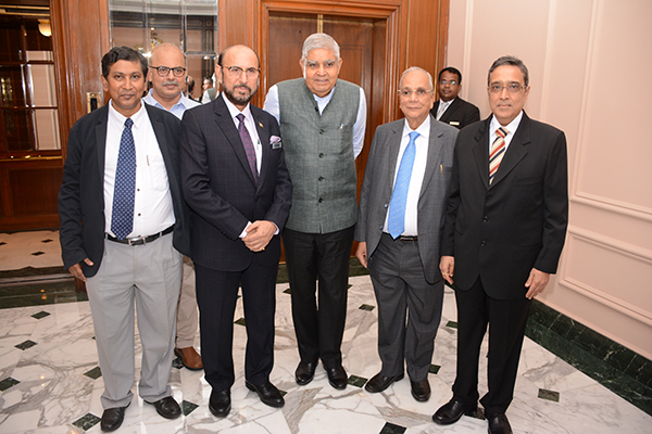 Mr Ravi Sehgal, Chairman, EEPC India; Mr Arun Kumar Garodia, Vice Chairman, EEPC India; Mr B D Agarwal, Regional Chairman (ER), EEPC India; Mr Suranjan Gupta, Executive Director, EEPC India; Mr Adhip Mitra, Addl. Executive Director & Secretary, EEPC India are receiving H.E. Mr Jagdeep Dhankhar, Hon`ble Governor of West Bengal.